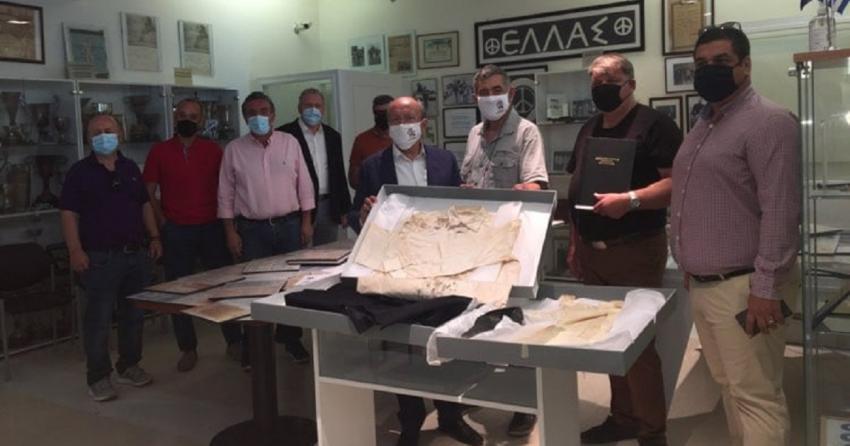 Τα Αιματοβαμμένα Ρούχα του Γρηγόρη Λαμπράκη στο Μουσείο Μαραθωνίου Δρόμου