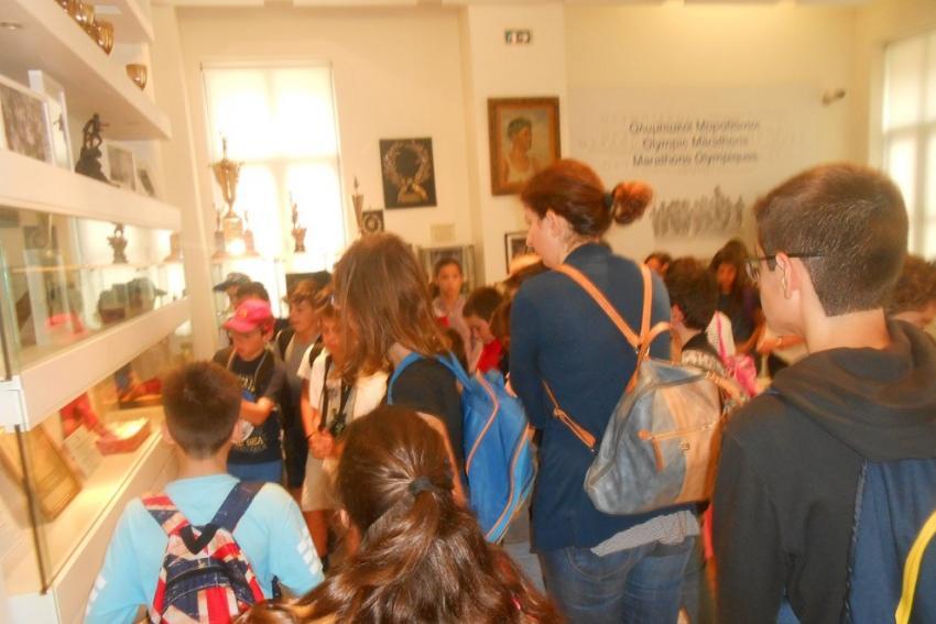 Mαθητές από το 14ο Δημοτικό σχολείο Χαλανδρίου επισκέφτηκαν το Μουσείο Μαραθωνίου!!!